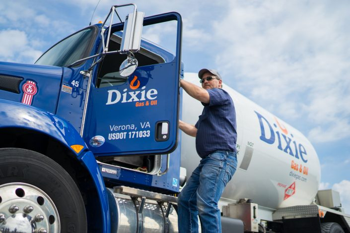 dixie gas employee